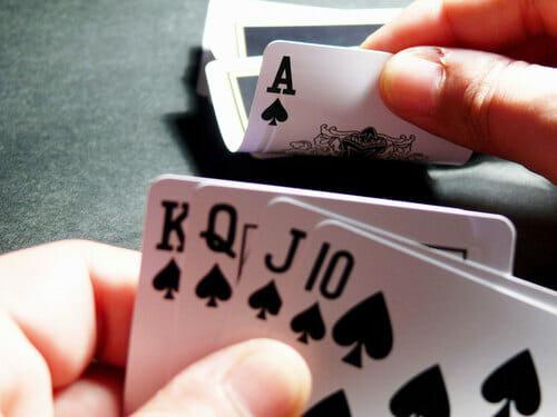 Poker 5 carte coperte